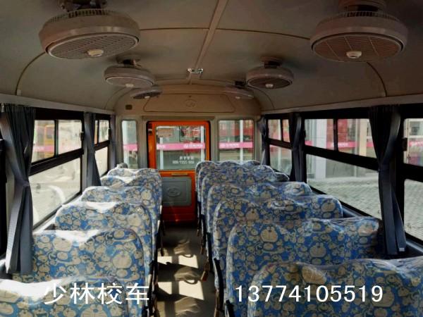 少林42座幼儿园校车